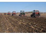 """""""國三""""深松全程機械化 2015中國國際農機展為農機行業發展設置議程"""