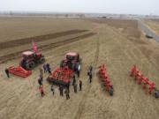 库恩耕整地设备演示会在内蒙古乌兰察布成功举行