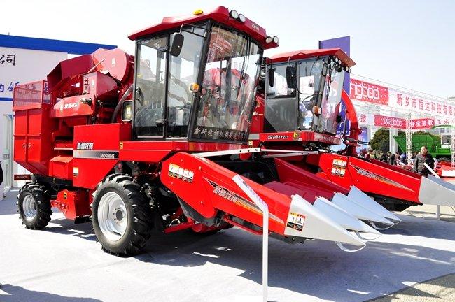 牧神4YZ-3自走式茎穗兼收型玉米收割机
