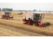 河南省农机合作社达5923个 跨区作业量达80%