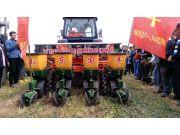 國豐機械 全省先進農機具現場觀摩會上唱主角