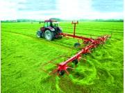 格兰8000系列摊晒机 可满足各类草场对牧草晾晒的要求