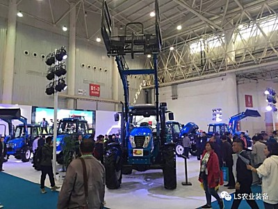 乐星农业装备盛装亮相武汉农机展