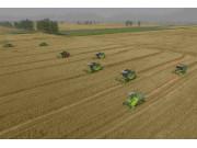 全国小麦收获过半 较往年提前进入机收高峰期
