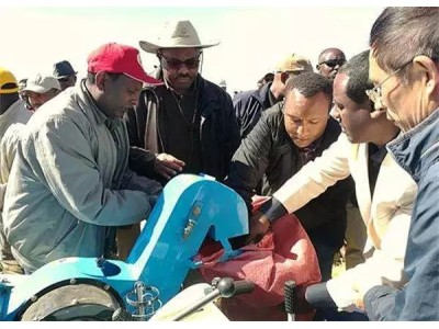 """""""一带一路""""成功模板!非洲总理点赞""""中国造""""农机"""