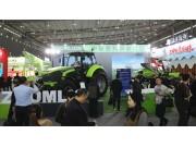 颜值与实力并存中联重科智能农机亮相中国国际农交会