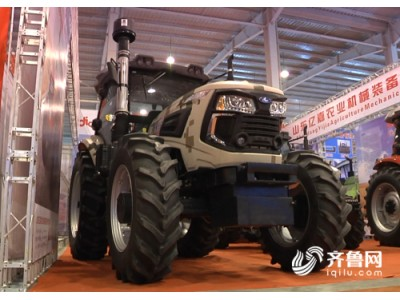 """""""一大波""""高科技农机设备亮相潍坊 小型耕作机可遥控耕种"""