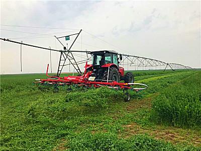 格兰携4款牧草设备亮相中国草都—阿鲁科尔沁旗现场演示会