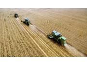 农机越来越多,小麦机收生意还好不好做?来算笔账,一天能赚……