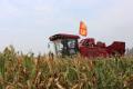 不懼市場低迷,這家經銷商對勇猛玉米收獲機信心滿滿