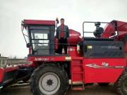 玉米收获机不赚钱了?他用牧神玉米收获机一年收入近20万!