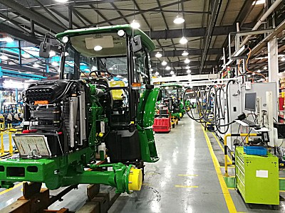 新增5E系列生产线——迪尔宁波工厂打造卓越多功能拖拉机制造中心