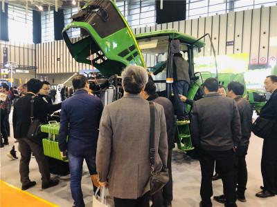 约翰迪尔精彩亮相第十届江苏国际农业机械展览会