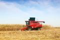 2019年玉米收獲機市場不太好?這個經銷商賣了40多臺!