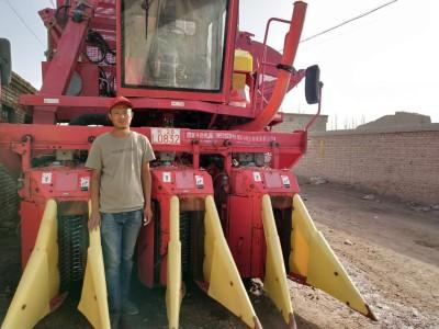 农民林培:我的命运从我购买第一台钵施然采棉机开始转折