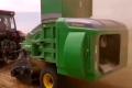 这台秸秆饲料打捆机一年不仅收回自身成本,连拖拉机成本都能收回