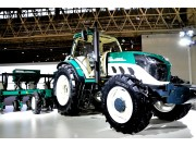2016武汉国际农机展雷沃阿波斯产品风采