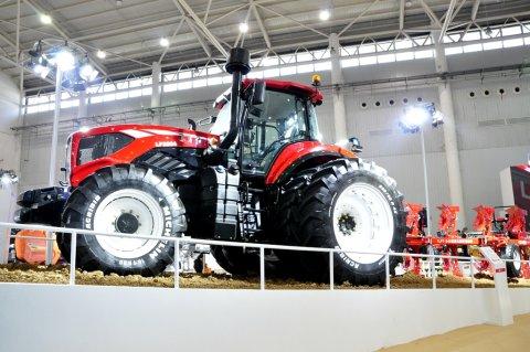 2017武漢國際農機展一拖大馬力拖拉機風采