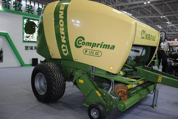 科罗尼Comprima-F125XC圆捆捡拾压捆机
