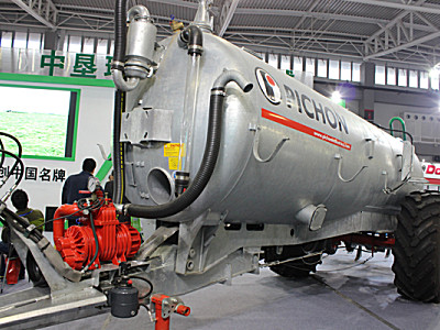 PICHON   TCL10400液体粪肥撒播机