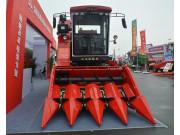 福格森4YZ-4A摘穗剥皮型自走式玉米收获机