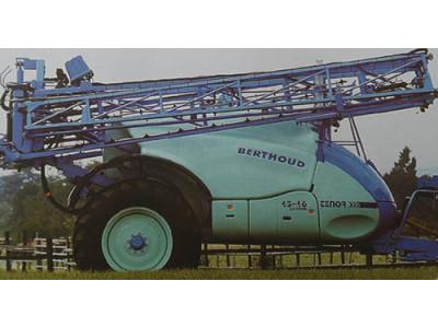 波尔图(Berthoud)TENOR牵引式喷药机
