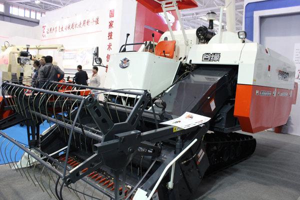 宇成谷緣4LZ-4.0B縱向軸流全喂入聯合收割機