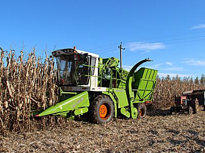 潤源4YZ-4自走式玉米收獲機