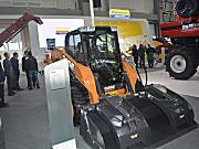 凯斯SV300滑移装载机