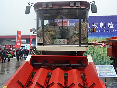 豪豐4YZ-4自走式玉米收獲機