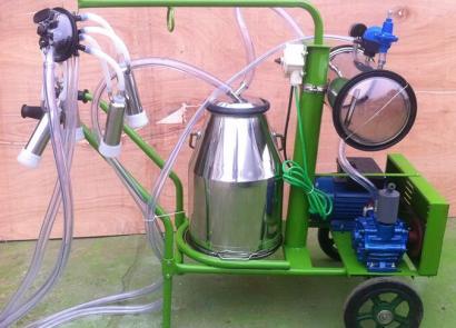 山東惠農家用奶牛擠奶機
