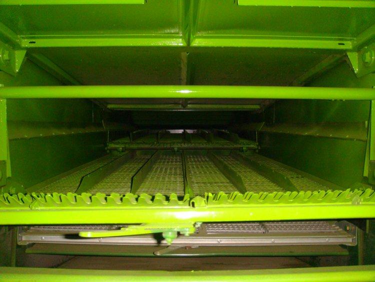 润源G60谷物联合收获机往复式双层鱼鳞振动筛