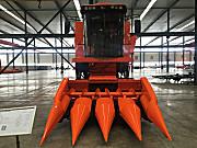 哈肯4YL-4自走式半履带玉米籽粒收割机