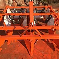 军岩1QL-2胡萝卜起垄机