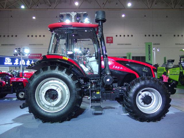 东风2204拖拉机