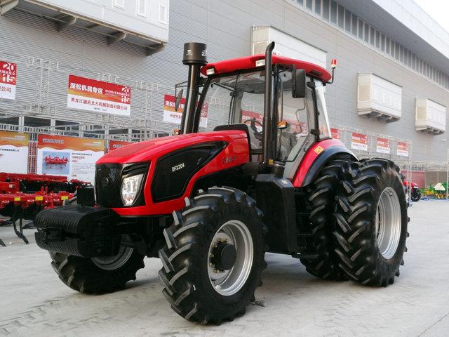东风2204轮式拖拉机