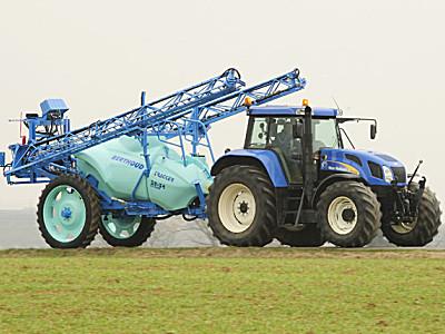 波尔图(Berthoud)TRACKER牵引式喷药机