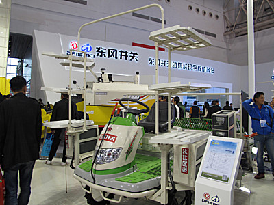 東風井關羿農ENEPZ60電動高速乘坐式插秧機