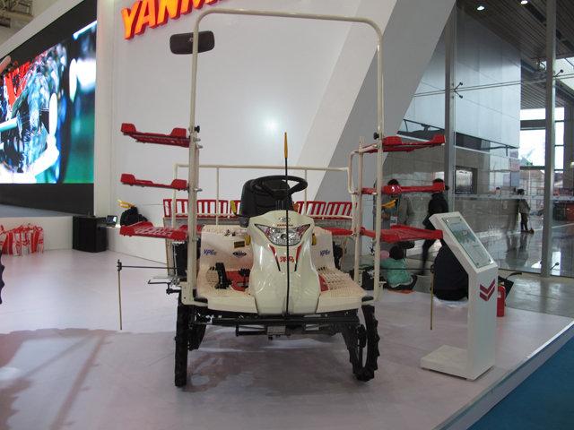 洋马2ZG-6(VP6E型)乘坐式高速插秧机