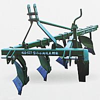 勃農1LS-327型鏵式犁