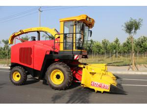 北京德乐4QZ-830自走式青贮饲料收获机