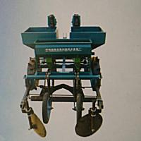 得利新2CMM-2馬鈴薯施肥播種鋪膜機