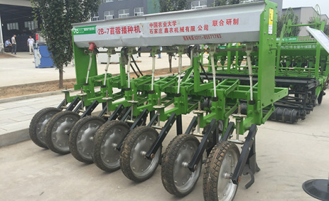鑫農2B系列牧草播種施肥機
