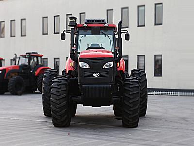 凯特manbetx万博体育KAT2404轮式拖拉机