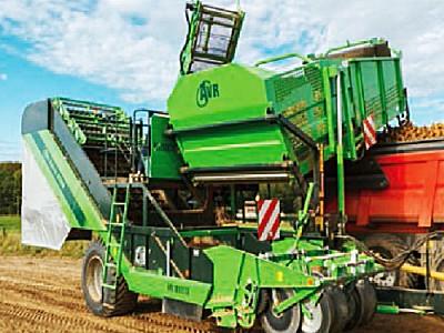 比利时AVR-6200/9200VW侧牵引马铃薯收获机