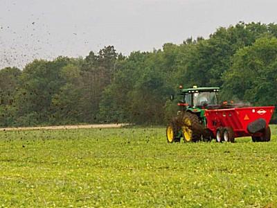 庫恩SL/SLC100系列側式施肥機