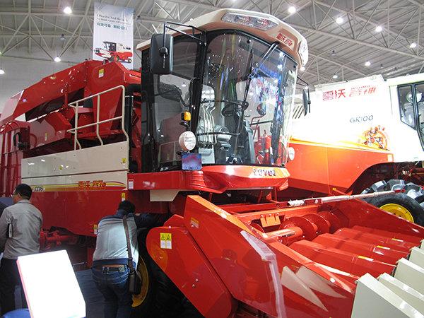 雷沃谷神CC05(4YZ-5B)玉米收获机