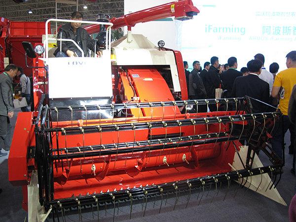 雷沃穀神RG60(4LZ-6G1)穀物聯合收割機