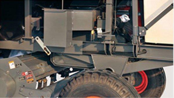 久保田4YZB-4(PRO1408Y-4)玉米收获机大容量油箱