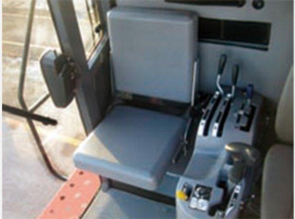 久保田4YZB-4(PRO1408Y-4)玉米收获机座椅